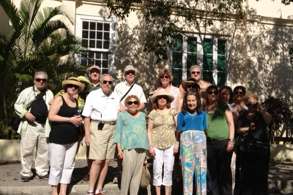 Feb_8_-_Hemingway_House_group_photo.JPG